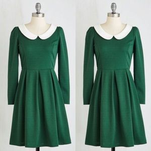 ModCloth Sunny Girl Green pleated Dress Peter Pan